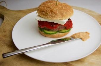 Recept Hamburger met hummus en feta