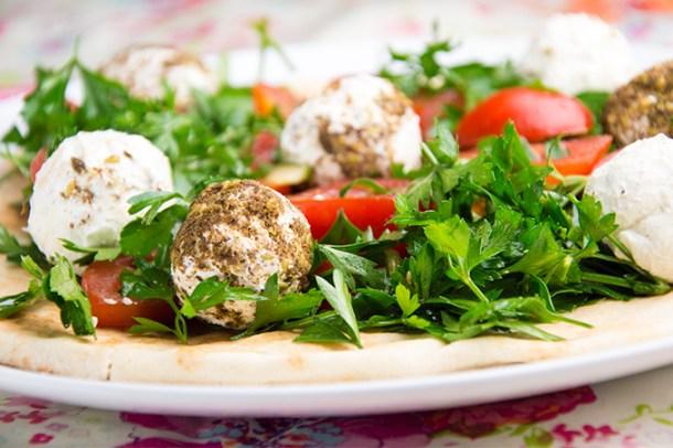 Recept Labneh met peterselie en tomaat