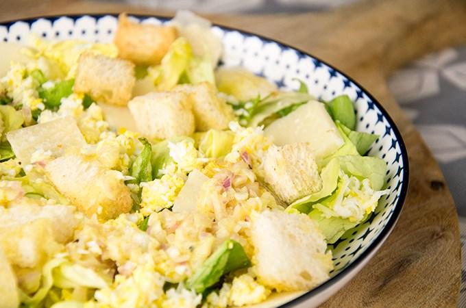 Recept Salade ei met parmezaan en botersla