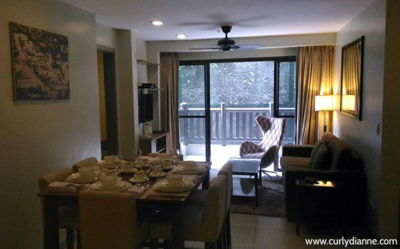 Azalea Residences room