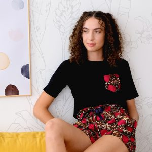 t-shirt de pyjama noir curly nights poche en wax PINK CHOCOLATE