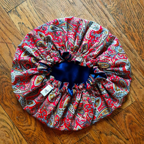 bonnet nuit boucles satin cachemire paisley rouge curly nights