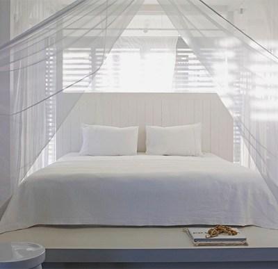 letto-con-zanzariera-via-interiorbreak-1