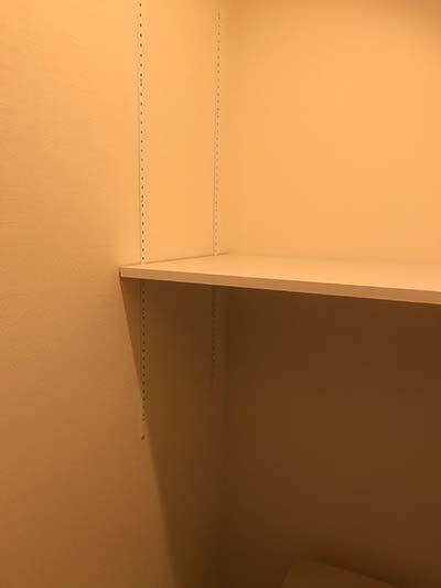 トイレのDIY棚1階横