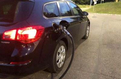 Opel Astra - Tankowanie gazu