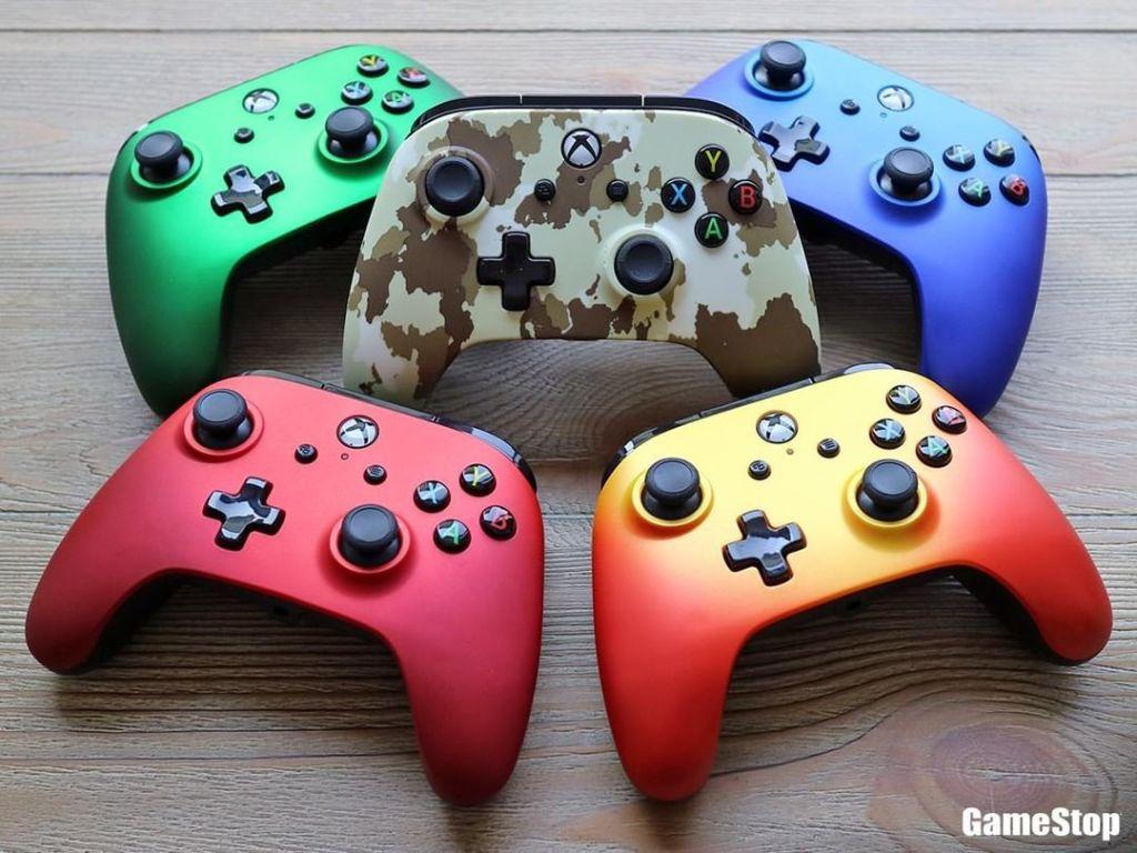 gamestop-instagram-xbox-one-controllers.jpg