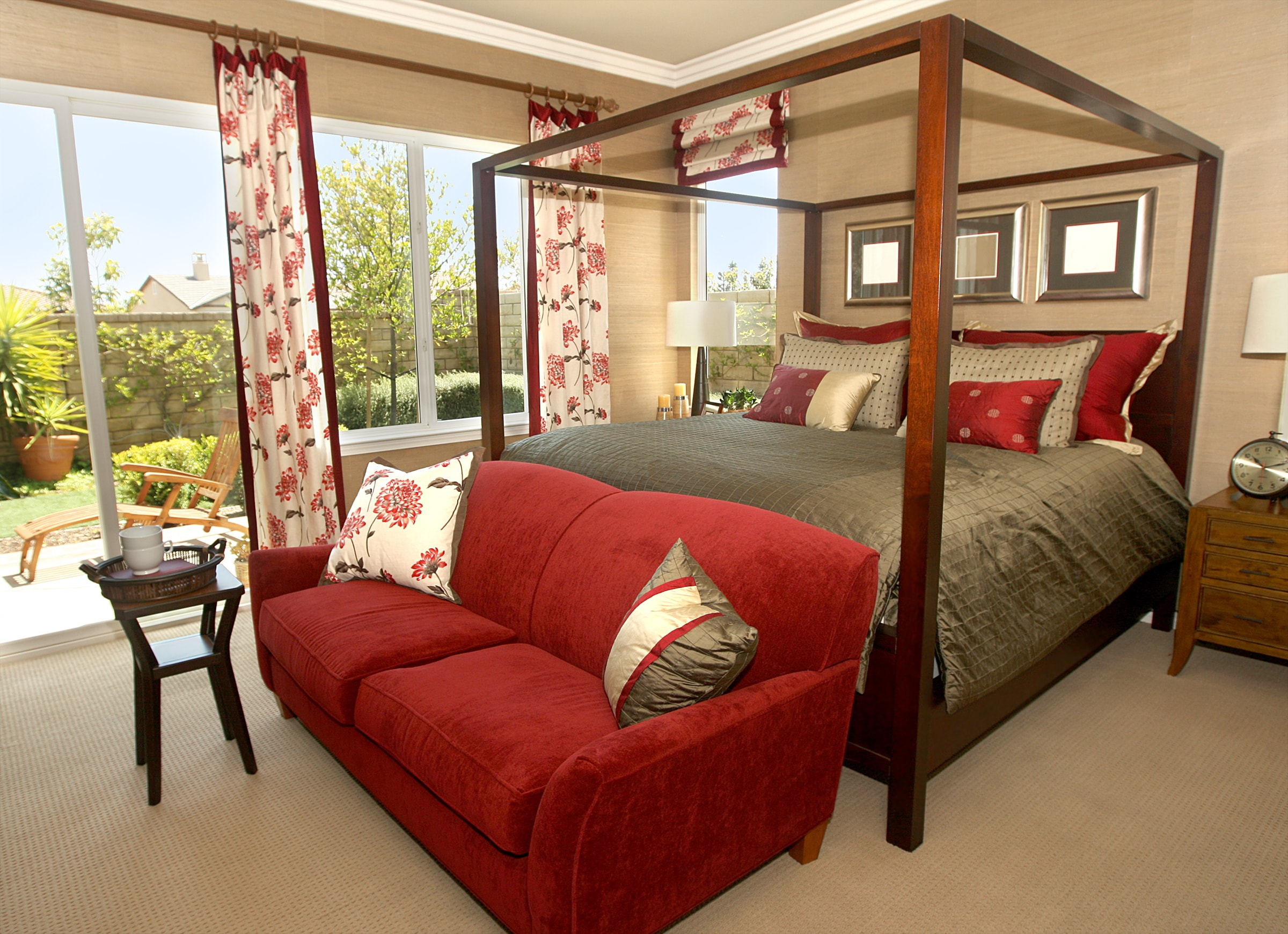 pros and cons of canopy beds custom