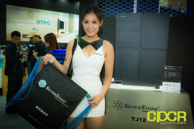 computex-2014-mega-booth-babes-gallery-custom-pc-review-27