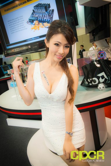 computex-2014-mega-booth-babes-gallery-custom-pc-review-35