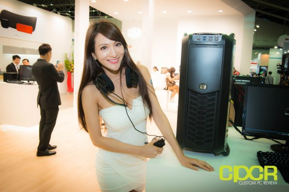 computex-2014-mega-booth-babes-gallery-custom-pc-review-44