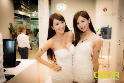 computex-2014-mega-booth-babes-gallery-custom-pc-review-57