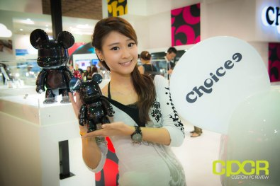 computex-2014-mega-booth-babes-gallery-custom-pc-review-58