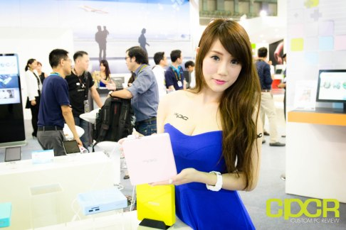 computex-2015-ultimate-booth-babe-gallery-custom-pc-review-10