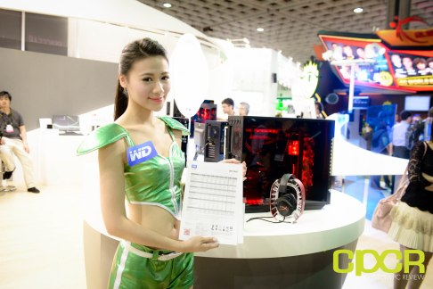 computex-2015-ultimate-booth-babe-gallery-custom-pc-review-106