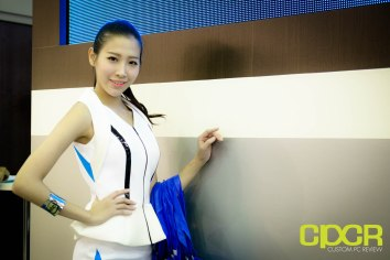 computex-2015-ultimate-booth-babe-gallery-custom-pc-review-14