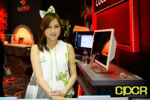 computex-2015-ultimate-booth-babe-gallery-custom-pc-review-24