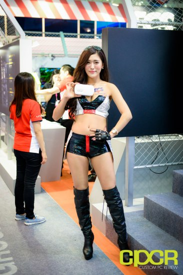 computex-2015-ultimate-booth-babe-gallery-custom-pc-review-26