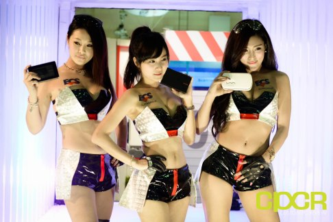 computex-2015-ultimate-booth-babe-gallery-custom-pc-review-29