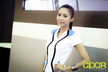 computex-2015-ultimate-booth-babe-gallery-custom-pc-review-32