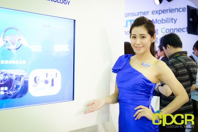 computex-2015-ultimate-booth-babe-gallery-custom-pc-review-36