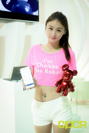 computex-2015-ultimate-booth-babe-gallery-custom-pc-review-49