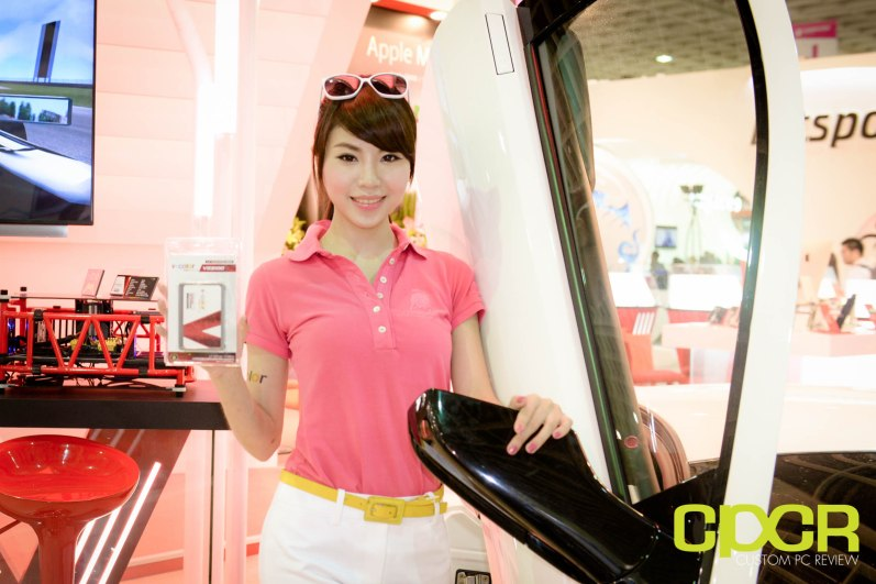 computex-2015-ultimate-booth-babe-gallery-custom-pc-review-68