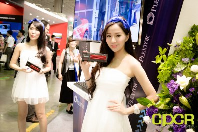 computex-2015-ultimate-booth-babe-gallery-custom-pc-review-71