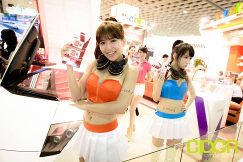 computex-2015-ultimate-booth-babe-gallery-custom-pc-review-81