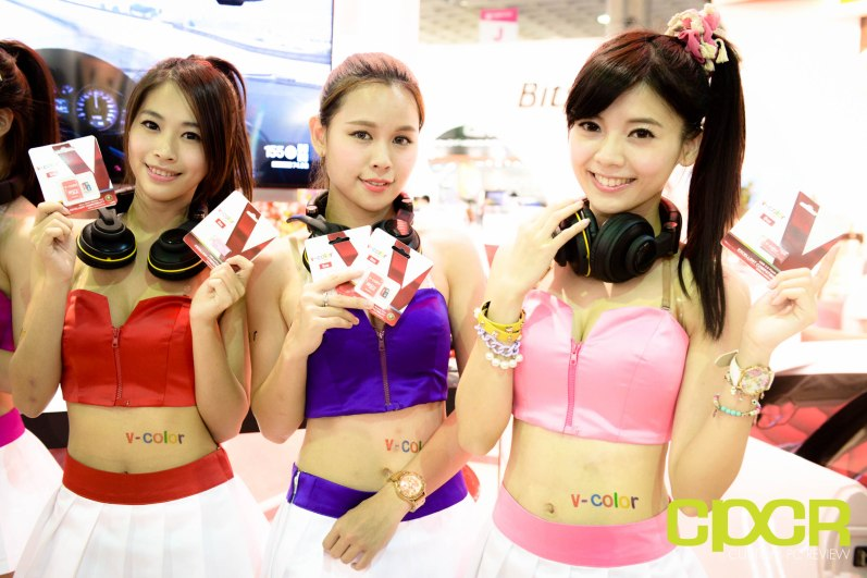 computex-2015-ultimate-booth-babe-gallery-custom-pc-review-83