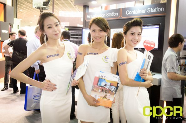computex-2015-ultimate-booth-babe-gallery-custom-pc-review-85