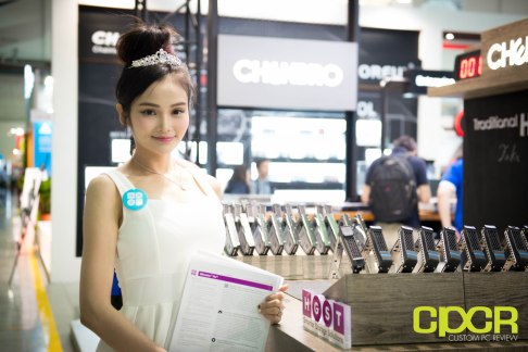 computex-2016-booth-babes-custom-pc-review-22