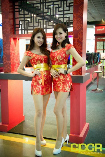 computex-2016-booth-babes-custom-pc-review-37