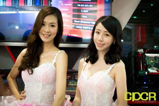 computex-2016-booth-babes-custom-pc-review-40