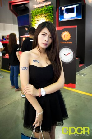 computex-2016-booth-babes-custom-pc-review-81