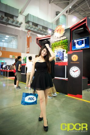 computex-2016-booth-babes-custom-pc-review-82