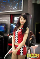 computex-2016-booth-babes-custom-pc-review-87