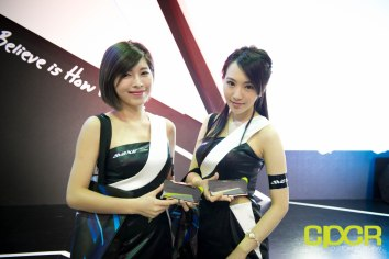 computex-2016-booth-babes-custom-pc-review-90