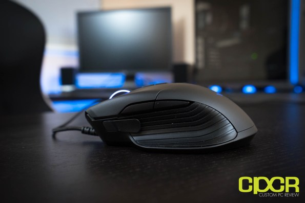 razer-basilisk-fps-gaming-mouse-custom-pc-review-02105