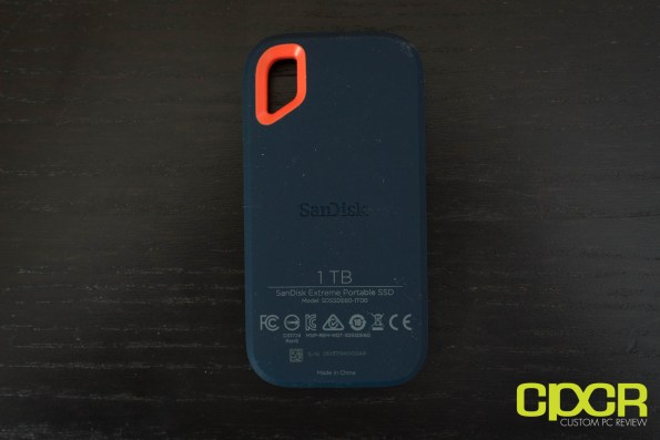 sandisk-extreme-portable-ssd-1tb-custom-pc-review-02792