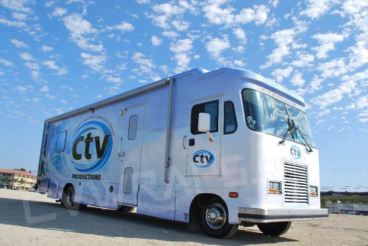 Berth RV/BUS Custom Vehicle Wrap