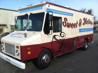 sm food truck wrap2