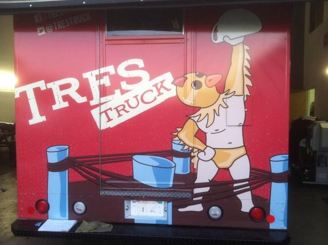 tres food truck wrap-03