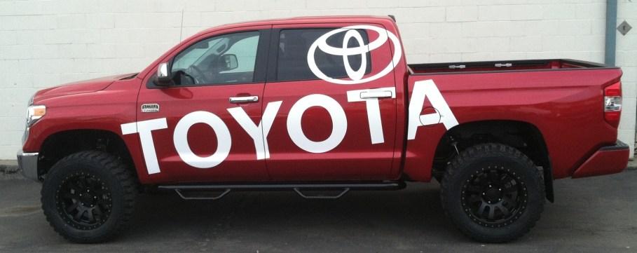 toyota truck wrap-01