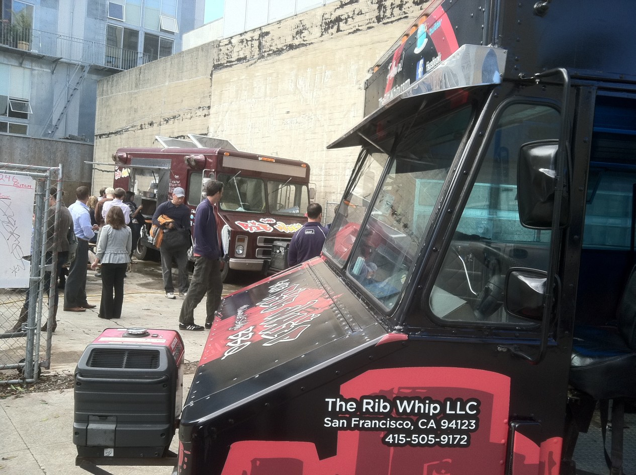 rib whip food truck wrap-10
