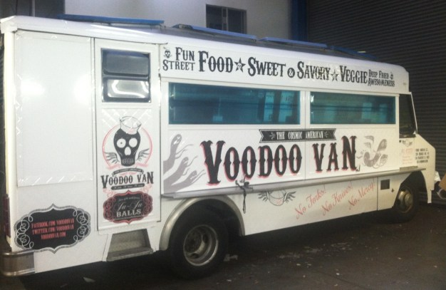 voodoo van food truck wrap-10