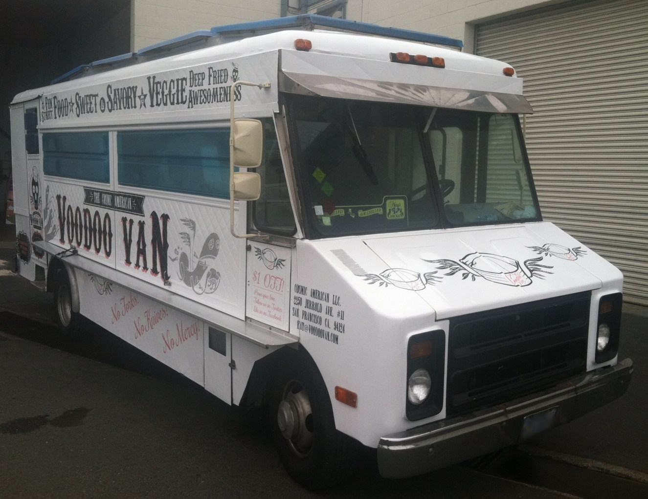 voodoo van food truck wrap-14