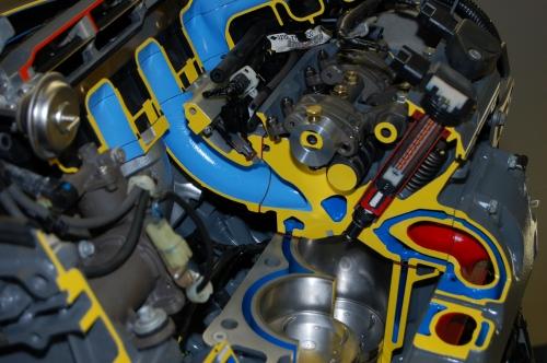 Honda BF225 Outboard Cutaway
