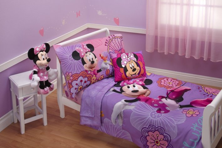 Cute Minnie Mouse todder bed set
