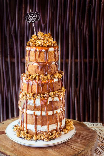 Der Naked Wedding Cake, ganz schön hoch