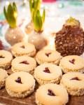 Linzer Tahini Kekse mit Halva Füllung